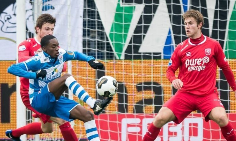 Queensy Menig (Ajax - PEC Zwolle)