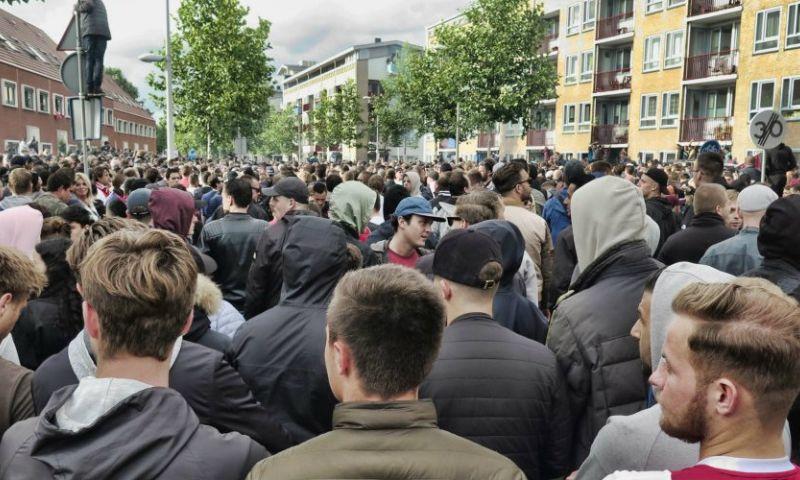 Grote menigte op de been