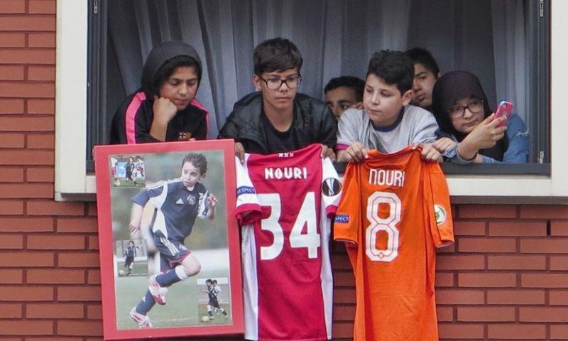 Shirts en foto van Nouri