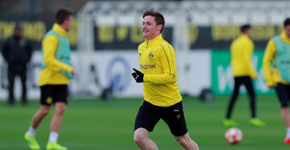 Sergio Gómez (Borussia Dortmund, 18)