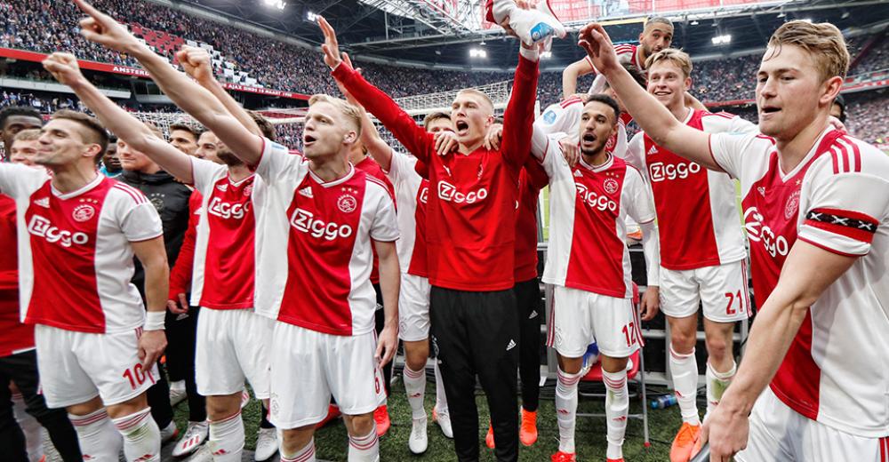 Ajax pakt landstitel paar dagen na gigantische Champions League-klap
