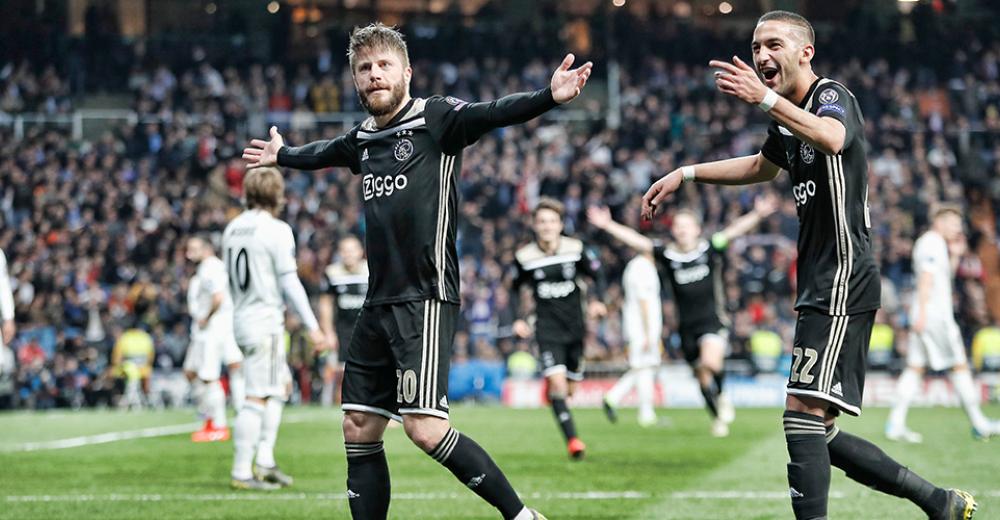 Lasse Schöne bekroont met ongelofelijke vrije trap masterclass van Ajax in Santiago Bernabéu
