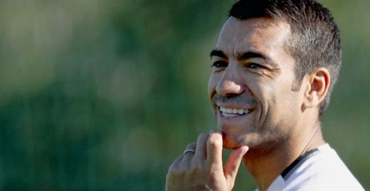 Van Bronckhorst noemt Feyenoord titelkandidaat nummer één: 'De druk neemt toe'
