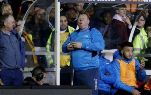 Afbeelding: Sutton United mist doelman Shaw: rechtsback trekt keepersplunje aan