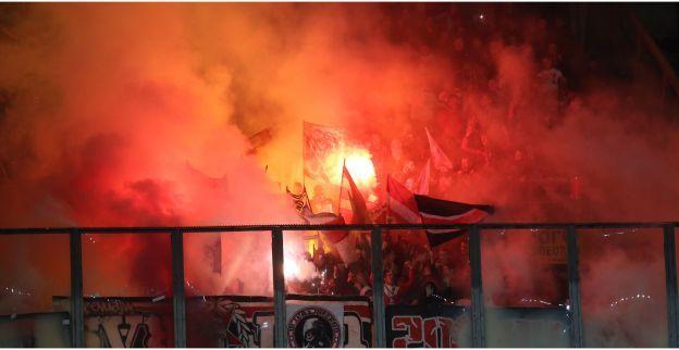 Stevig protest van teleurgestelde Standard-fans: lege tribunes tegen Oostende