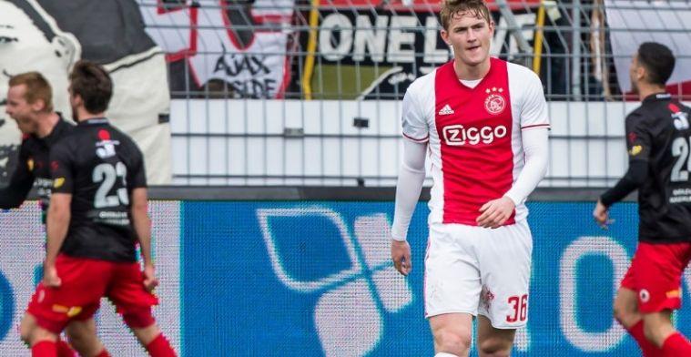 Borst snapt er niets van: 'Ajax bakt ze bruin, PSV beheerst het ook'