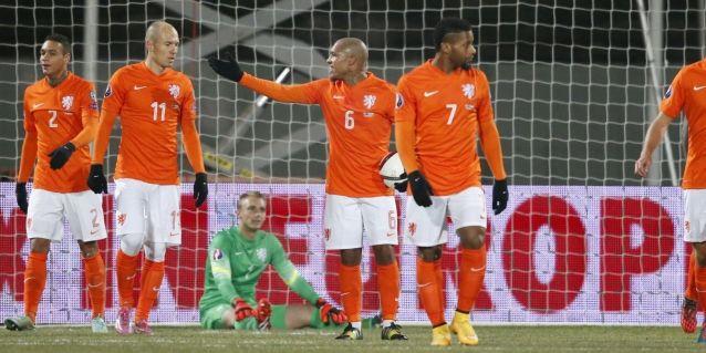 Domper voor Blind: tweetal sluit later aan, Robben kampt weer met blessureleed