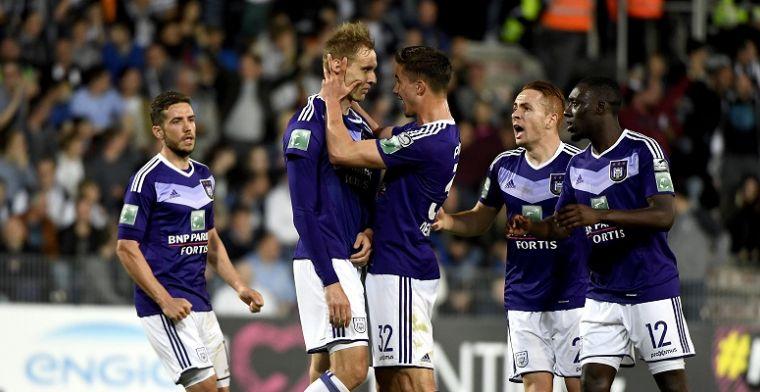 Topschutter schiet nerveus Anderlecht naar 34ste kampioenschap in België