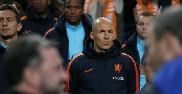 Kuyt roemt Oranje-teamgenoot: 'Hij had misschien wel 150 interlands kunnen hebben'