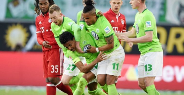 'Bazoer mag langzaam uitgaan van vertrek concurrent: 20 miljoen voor Wolfsburg'