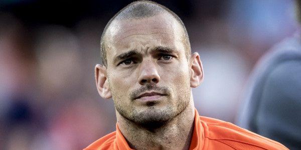 Sneijder op straat: terug naar Ajax, met Yo de regen in en andere transferopties