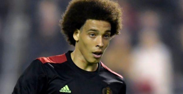 Best betaalde voetballer ter wereld schopt Witsel onderuit