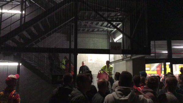 Smetje op Antwerpse zege, enkele fans laten zich gaan
