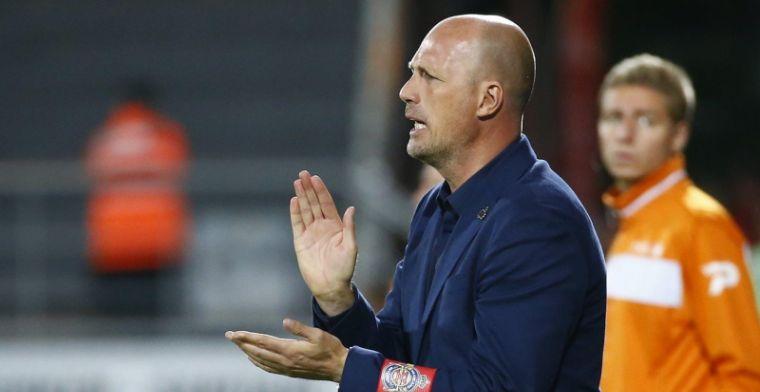 Clement teleurgesteld in elftal: Onherkenbaar, zo kan het niet