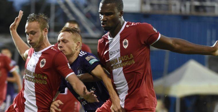 Antwerp-speler begrijpt er niets van: 'Geen penalty? Is dit een grap?!'
