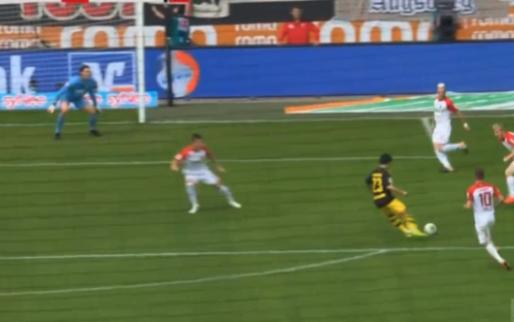 Moet je zien: Kagawa schiet Dortmund op voorsprong met stift van wereldklasse
