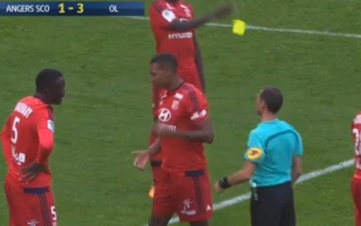 Marcelo raakt scheids per ongeluk en krijgt bizarre rode kaart