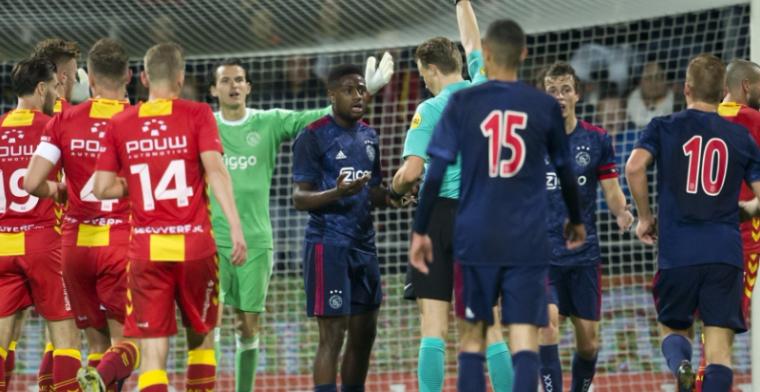 Jong Ajax lijdt kansloze ruime nederlaag in Jupiler League, Dijks schuttert