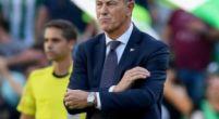 Imagen: Tremenda rajada de Gianni de Biasi tras la dura derrota del Alavés