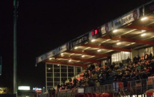Afbeelding: Opmerkelijk moment: spelers Oss en Jong PSV krijgen slechts één minuut rust