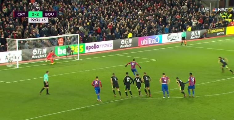 Ongelooflijke ontknoping in Premier League: Benteke mist, teamgenoot woedend