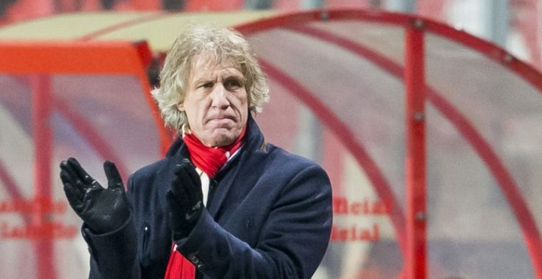 Verbeek hekelt 'angstig' elftal en waarschuwt Ajax: Al vier jaar moeite