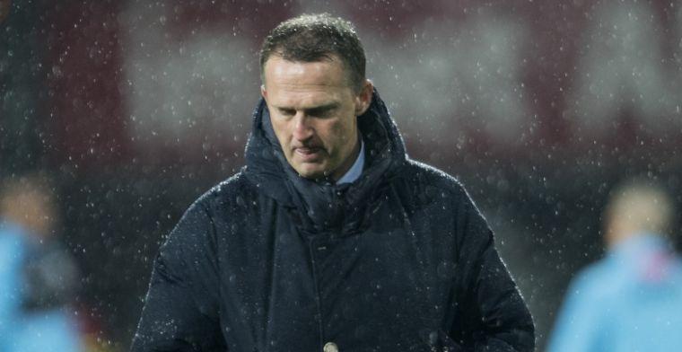 Van den Brom kijkt naar Ajax: 'Op sommige posities hebben we betere spelers'