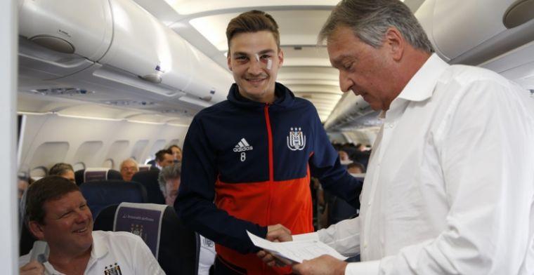 Vanhaezebrouck verrast met prijsuitreiking voor spelers van Anderlecht