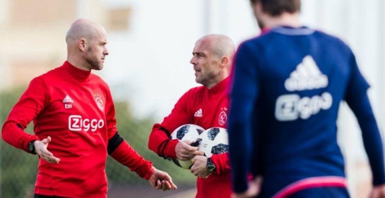 Update: Ajax-duel met drie kwartier vertraging begonnen: scheidsrechter gevonden