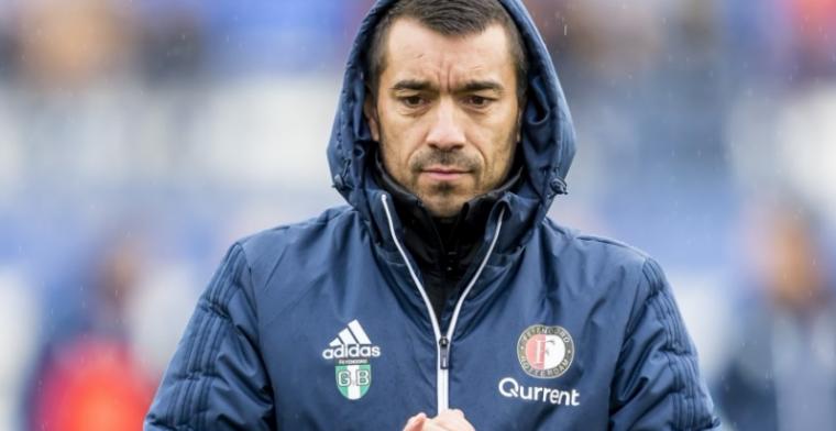Van Bronckhorst komt met update: 'Ajax-uit komt voor hen te vroeg'