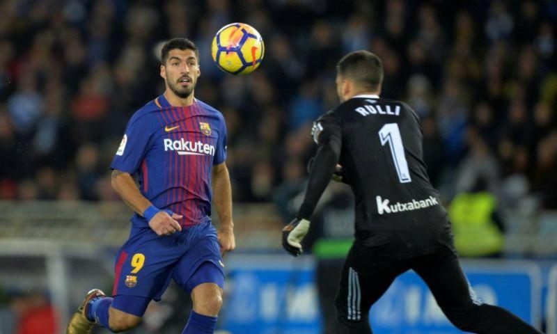 Afbeelding: Voetbalshow Barcelona: Suarez en Messi leiden koploper langs angstgegner