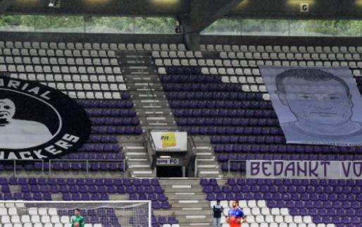Afbeelding: Schande in Antwerpen, gedenkmuur van overleden directeur beklad