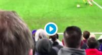 Imagen: VÍDEO   Surrealista expulsión a Morata y un seguidor salta a defenderlo