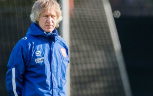 Verbeek last transferverbod in bij Twente: 'Voor die spelers gaat de deur dicht'