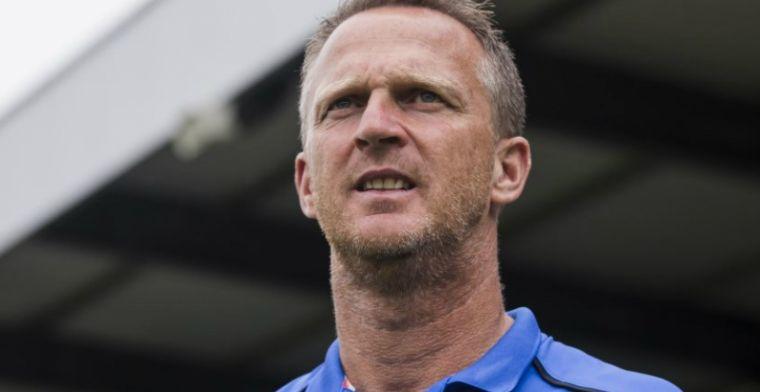 Van den Brom hoort transferverhalen van Utrecht: 'Lees dat ze bezig zijn'