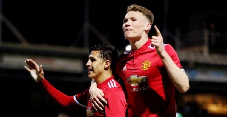 Sánchez bekroont United-debuut met dikke winst, Lukaku pikt doelpunt mee