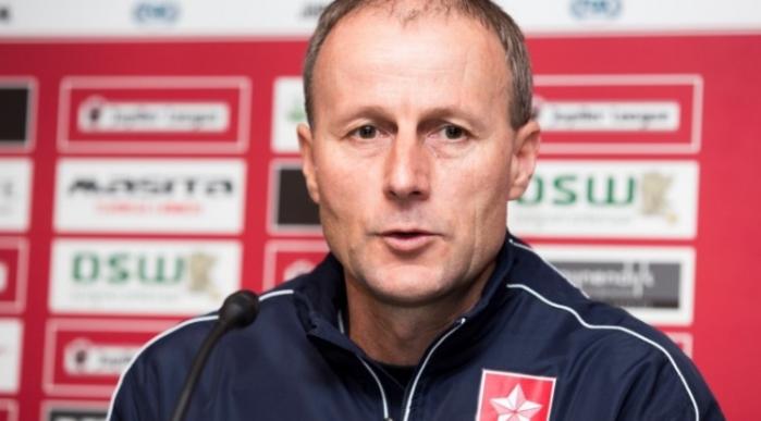 Jupiler League-trainer is het zat en zet zeven spelers opzij: Gruwelijk geërgerd