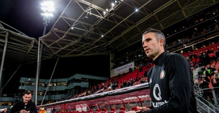 Zwaar versterkt Feyenoord 2 verliest toch; Van Persie doet een uur mee