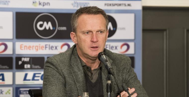 Van den Brom wil niets weten van Ajax: 'Laat mij lekker hier zitten'