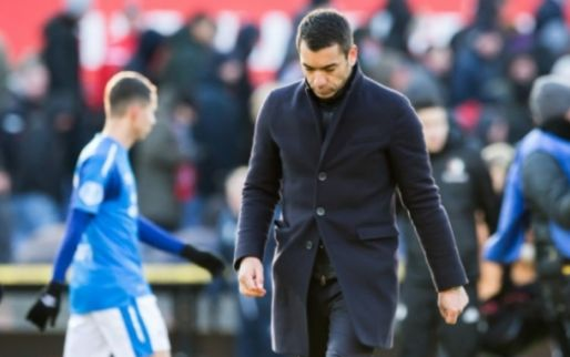 """Steun voor Van Bronckhorst: """"Keihard in de voetballerij: je moet resultaat boeken"""""""
