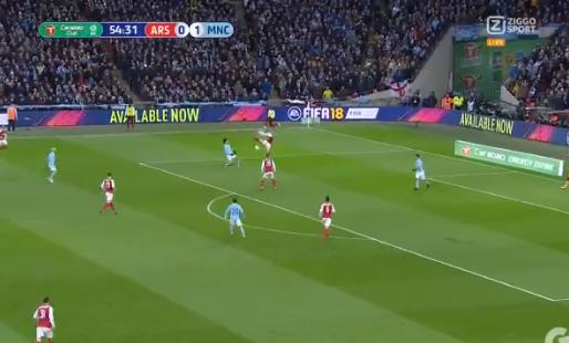 Arsenal zorgt voor hilariteit met tien seconden lang gepruts tegen City