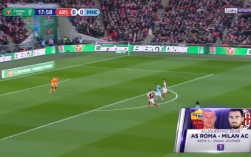 GOAL! Agüero opent score in League Cup-finale met fenomenale lob