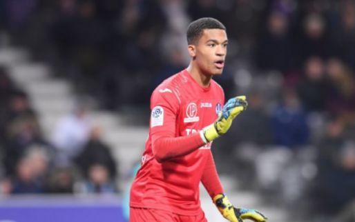 Transfernieuws | Roma en Napoli bieden 10 miljoen op Franse doelman