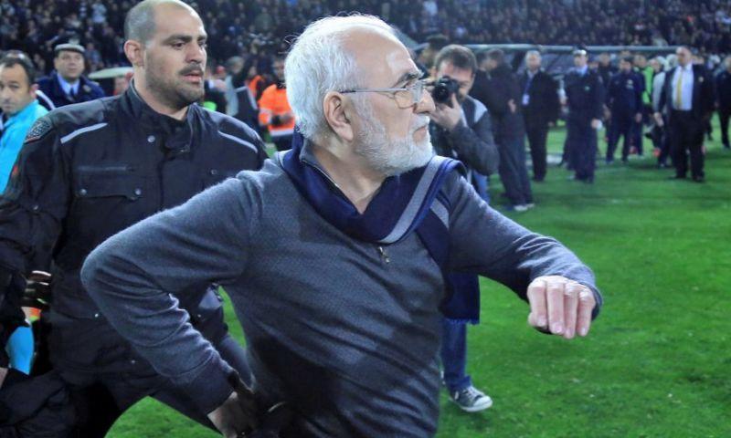 Afbeelding: Griekse regering grijpt hard in: competitie ligt stil door gewapende voorzitter
