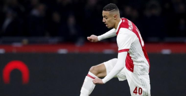 Kersverse Ajax-debutant wordt beloond door Ten Hag: vaste plek in A-selectie