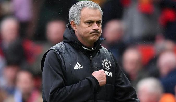 Mourinho avisa de la importancia del choque ante el Sevilla y le pone tintes dramáticos