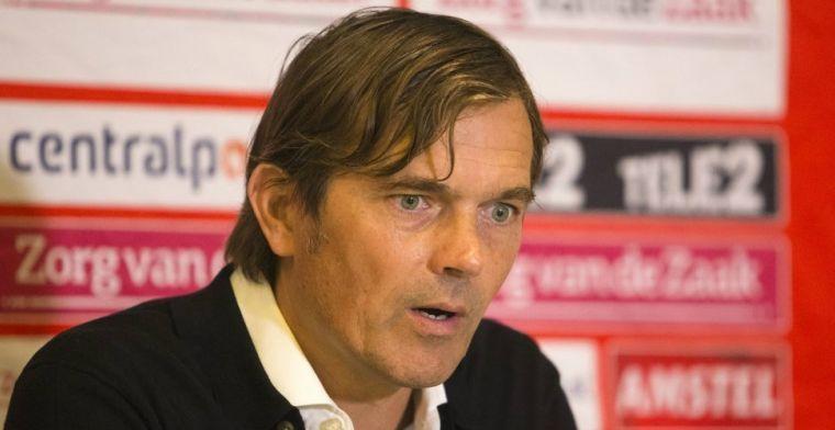 Cocu mengt zich niet in trainerscarrousel: 'Er zit geen bericht aan te komen'