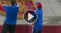 Imagen: VÍDEO | Maradona vuelve a las andadas con una celebración loca