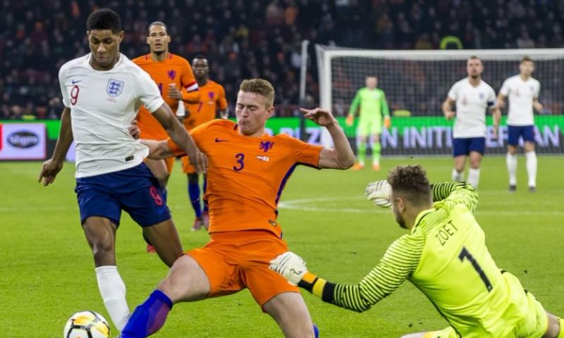 Afbeelding: Valse start voor Oranje en Koeman: Engeland wint in Amsterdam