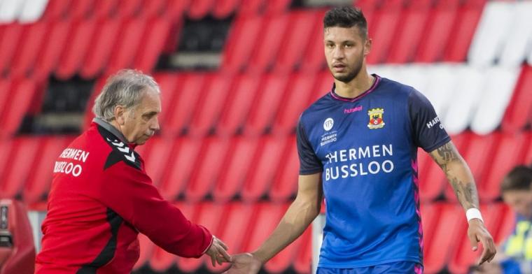 Boze verdediger haalt trainer door de mangel: 'Hij zet het hele team voor schut'